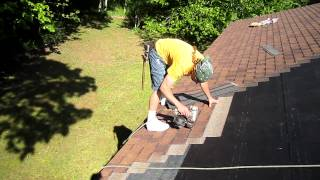 World's best roofer in action