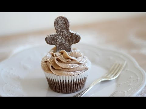 Gingerbread Cupcakes with Cinnamon Cream Cheese Frosting (Icing) | Christmas Recipe