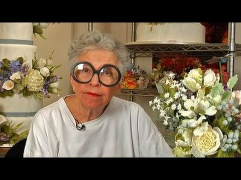Making a Sylvia Weinstock Cake Flower
