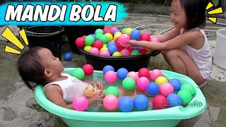 Video for baby Balita Lucu Mandi Bola - Ball Bathtub Learn colors for toddler Baby Kids Playground
