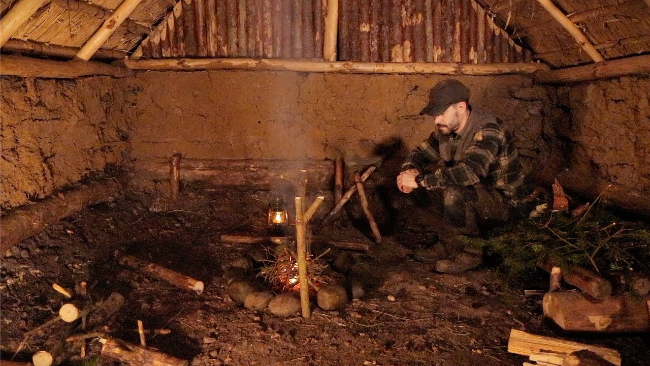 Sleeping in a Medieval Bushcraft Shelter: Storm Lanterns, Stone Circle Fire, Winter Camping