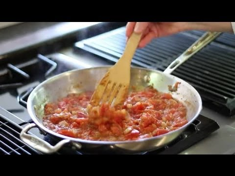 How to Make Marinara Sauce With Fresh Tomatoes : Italian Cuisine