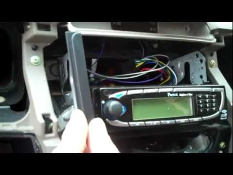 How to fit radio spacers to Toyota Hilux  Mk6 Vigo