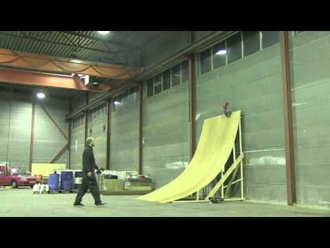 RC Quarterpipe building and jumping