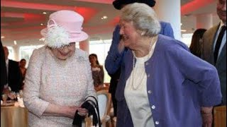 Queen Elizabeth Meets Hyacinth Bucket - Dame Patricia Routledge - Chichester Theatre 2017