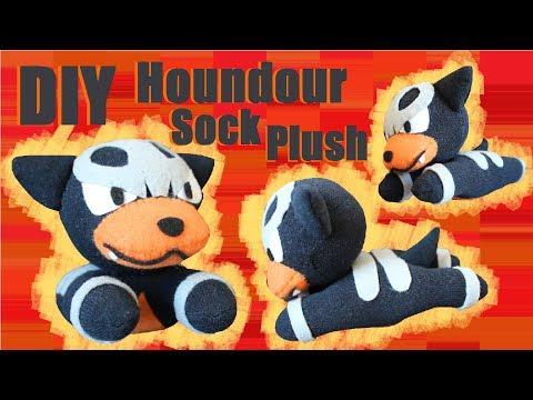 ❤ DIY Houndour Sock Plush! How To Make A Cute Pokemon Plushie! ❤