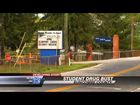 Middle Schooler Sells Drugs via Snapchat: Warr