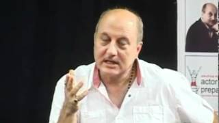 Anupam Kher got lesson from Amitab Bachchan On Set Of Aakhri Raasta