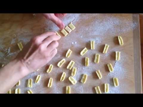 how to make cuzzetielle (handmade pasta shape)