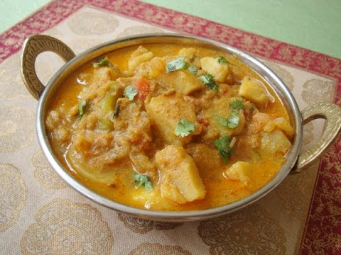 How to Prepare Cauliflower and Potato Kurma or curry Indian style