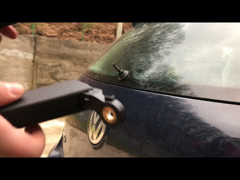 How to remove and replacement Rear Wiper arm on VW Golf 5  ✔