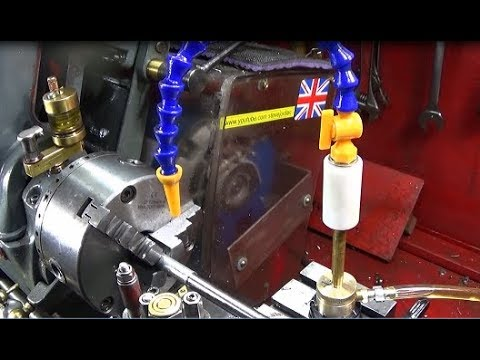 Easy to make pump-action machine cutting oil system