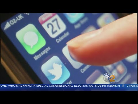 Research Suggests Link Between Social Media Use And Depression