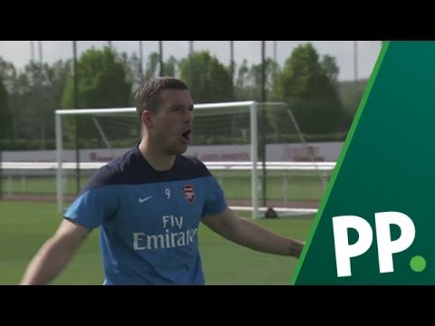 How Arsenal stars responded to mean tweets from fans