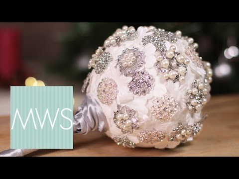 Wedding Brooch Bouquet | Maid At Home S4E3/8