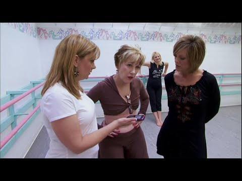 Dance Moms - Holly Cannot Make it to The Showcase (S1 E05)