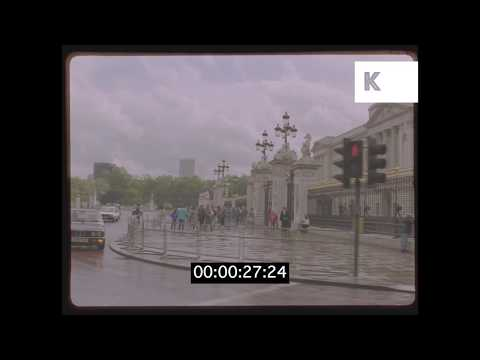 1980s POV Driving Around Buckingham Palace And Victoria Memorial HD from 35mm | Kinolibrary