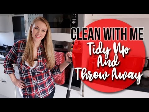 CLEAN WITH ME - CLEANING MOTIVATION - SPEED CLEAN AND THROW AWAY RUBBISH - A CHILDMINDING MUMMY