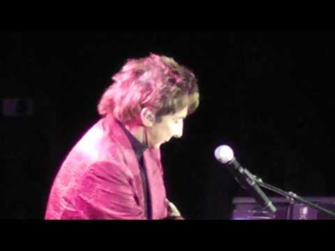 #4 Barry Manilow Docklands O2 concert 07 / 05 / 2011
