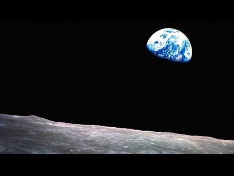 This Apollo 8 Astronaut Took the Famous