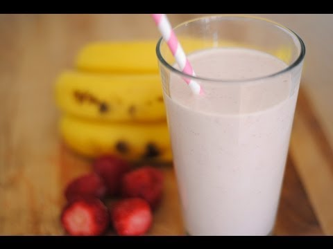 Strawberry & Banana Smoothie Recipe - How To Make A Protein Smoothie - Sweet y Salado