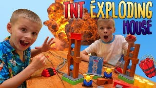 Build or Boom Challenge || Family Game Night