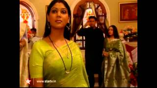 Hot Desi Tv Aunty Sakshi Tanwar Saree ass and boobs - 4