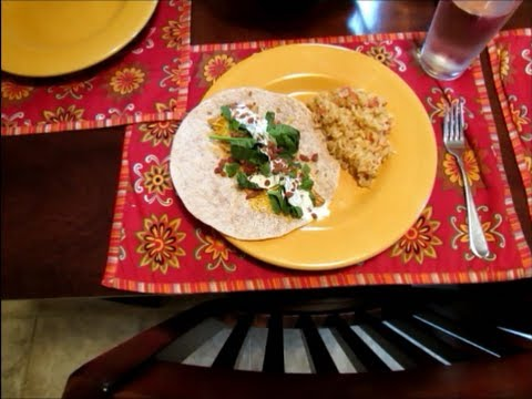 Slow Cooker Sunday: Easy Bacon Ranch Chicken Tacos