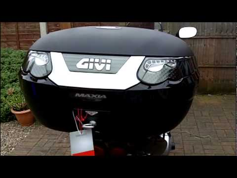 Givi E55 Maxia NT Top Box. First Unboxing and Fitt