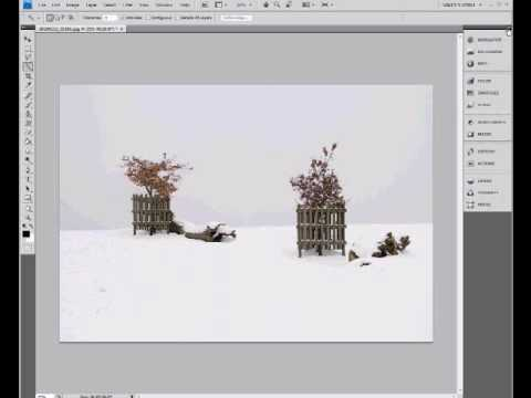 Photoshop cs4 Tutorial - Content Aware Scaling.wmv