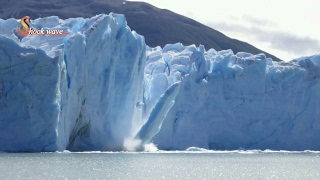 Glacier calving tsunami || Iceberg collapse || Iceberg rolling 2017 || shock wave