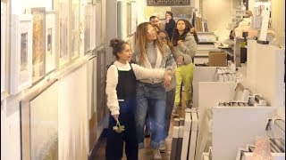 Jennifer Lopez and Family go Post Christmas Shopping!