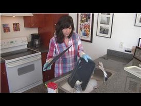 Home Cleaning Instruction : How to Clean a Burned Roasting Pan
