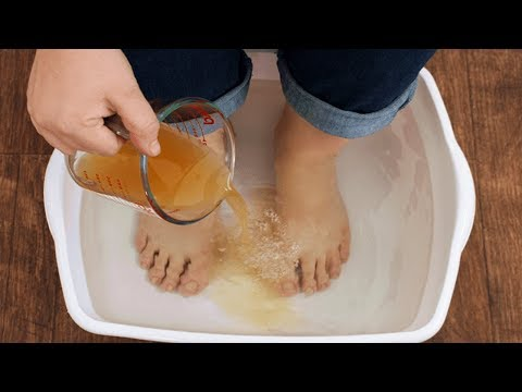 Soak Your Feet In Apple Cider Vinegar! Results Will Shock You!