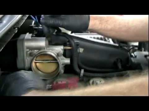 Cleaning a Chevy Trailblazer throttle body I6 4.2