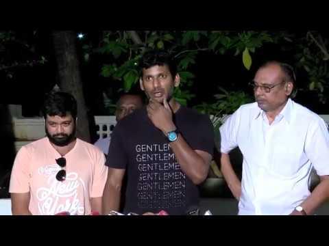 Vishal supports Rajinikanth