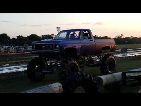 Mark Hoglan 2018 The Farm Mud Races F250 vs Jeeps