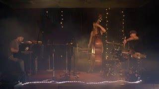 "Bokani Dyer Trio ""waiting, Falling"""
