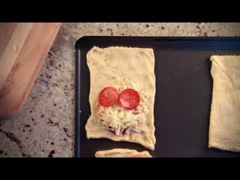 10 Seconds to Dinner: Crescent Pizza Pockets