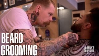Beard Shaping & Grooming Tutorial with Frank