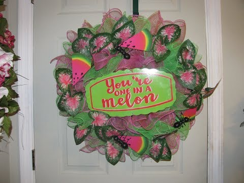 How to make Carmen's Watermelon Deco Mesh Wreath!!