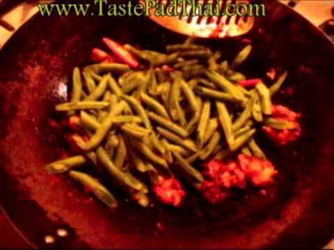 Pad Prik King / Prik Khing Green Beans Recipe with Chicken ผัดพริกขิง