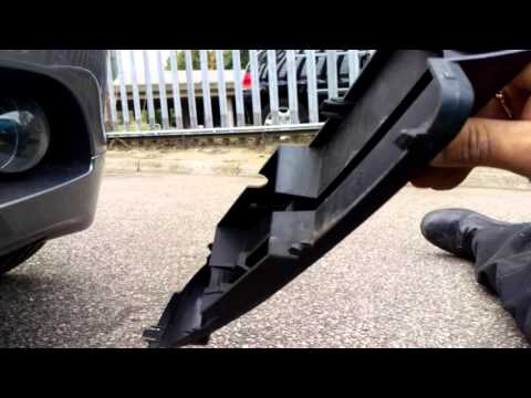 BMW 5 series E60 front foglight bulb replacement