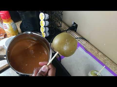 CHOCOLATE CARMEL CANDY APPLE EASY RECIPE MADE WITH COFFEE CREAMER