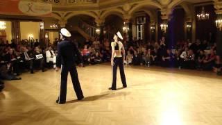Sarah Latton und Stefan Erdmann in der Tanzschule Ars