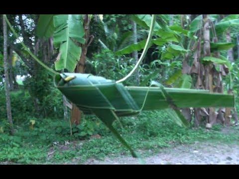 The Grasshopper using a Coconut Leaf! By Kris Martin