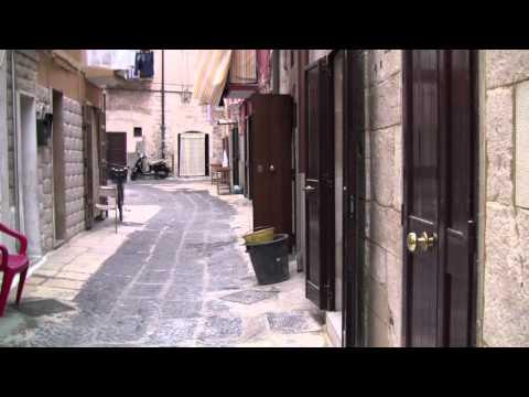 Puglian Pasta Lady Making Cavatelli (Fast)