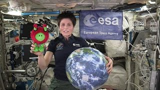 How Mass and Gravity Work in Space - Classroom Demonstration | ISS Video