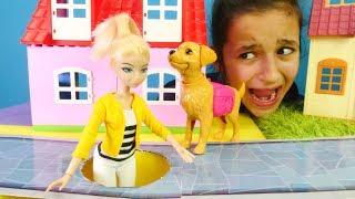 Download Chloe Miraculous kanalizasyona düşüyor! Kız oyunları! Video