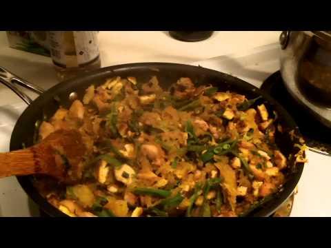 Making Paleo Spaghetti Squash Pad Thai
